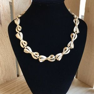 Trifari Crown Vintage Bow Choker Necklace